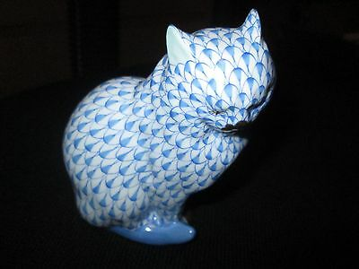 Herend Beautiful Blue  Fishnet Cat Laced with 24 K Gold
