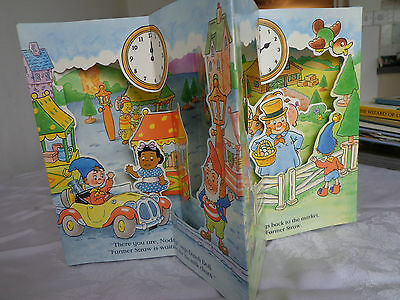 Enid Blyton - Noddy's Busy Day - 1st Ed 1994, Five Pop-Up Scenes in a Carousel