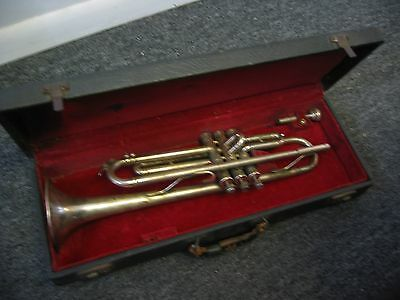 Vintage 1947 / 1948 Holton Siler Plated Trumpet with Mouthpiece & Original Case