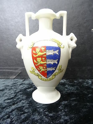 Gemma China Model Of A Vase With Great Yarmouth Crest.