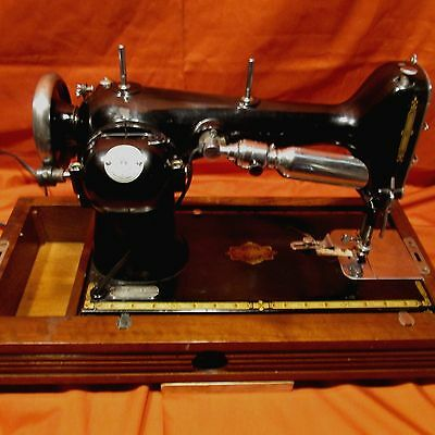 """VINTAGE 1936 """"FREE-WESTINGHOUSE"""" PORTABLE SEWING MACHINE W/ATTACHMENTS & EXTRAS"""
