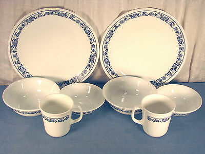 8 Pieces Of Vintage Stoneware Corning In Old Town Blue Pattern Discontinued