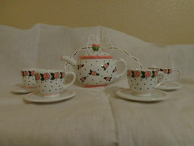 VINTAGE MARY ENGELBREIT CHILD TEA SET 10 PIECE