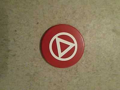 VINTAGE OLD RED POKER CHIP WITH AA ALCOHOLIC ANONYMOUS    (M108)