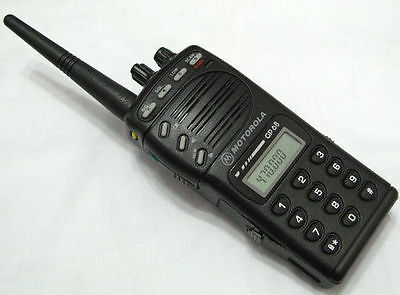 Motorola GP68 VHF 136-174MHz 5W 20 Channels 2-Way Radio + Accessories