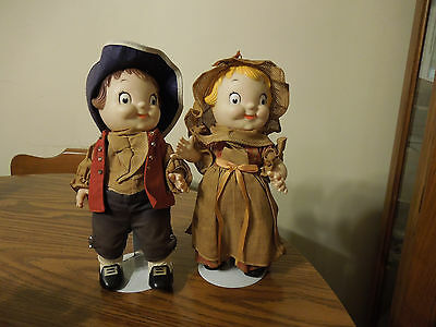 2 1976 Campbells Soup Kids, Paul Revere & Betsy Ross dools w/stands