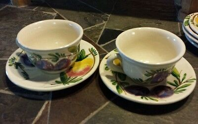 SET OF 2 VINTAGE HAND PAINTED FRUIT ITALIAN ITALY SIGNED CUPS AND SAUCERS