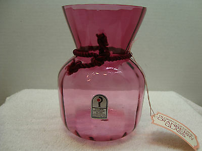 262 Pilgrim cranberry glass sac vase in the optic ribbed pattern.