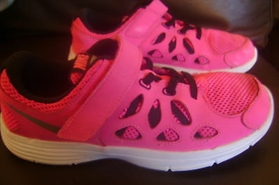 NIKE fusion Run 2  youth SHOES   SIZE 3y