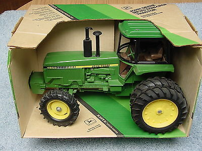 Ertl 1/16 John Deere 4850 Ce New Orleans Dealer Meeting Tractor