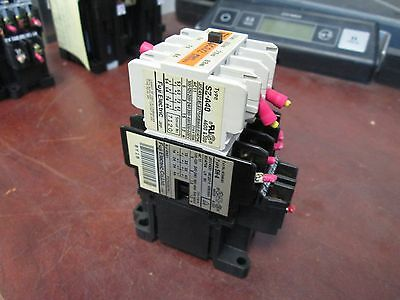 USED FUJI SH-4//G 8-Pole 10A 24vdc Coil Contactor includes SZ-A40 Aux Contact