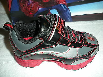 Toddler Boy's *dc Comics Ultimate Spider-Man  Light Up Sneakers* Size 5 M