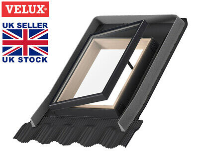 VELUX VLT 029 Conservation Access Roof Window 45x73cm with integrated flashing