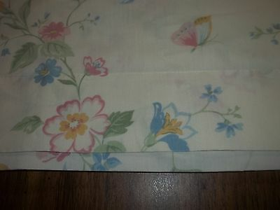 VINTAGE JC PENNEY FULL   FLAT SHEET DAINTY FLORAL & BUTTERFLIES ON SNOW WHITE