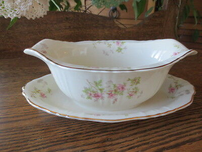 Syracuse China, Federal Shape STANSBURY Gravy Boat with attached undertray