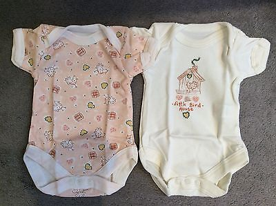 TWO TINY BABY BODYSUITS WITH LITTLE BIRDS ALL OVER - SIZE 3.5kg/7.5lbs - BNWT