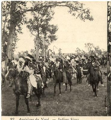 STEROSCOPIC POSTCARD.SIOUX INDIANS GOING TO THE COUNCIL.