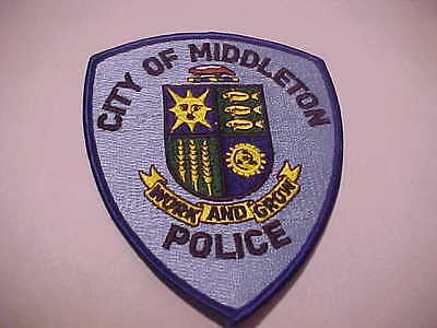 Middleton  Wisconsin  Police Patch *** Free Ship In Usa ***