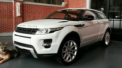 Land Range Rover Evoque Welly 1:24 Scale Diecast Detailed Engine Interior Model