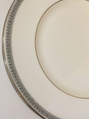 """Royal Doulton Ravenswood 10 1/2"""" Dinner Plate Set Of 3 Excellent Condition"""