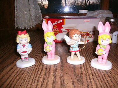 CAMPBELL'S SOUP     FIGURINE'S  LOT OF FOUR