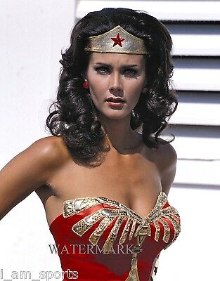 LYNDA CARTER SEXY WONDER WOMAN TV 8x10 PHOTO