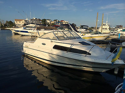 2001 Bayliner 2252 Ciera Classic Express Cruiser 22ft