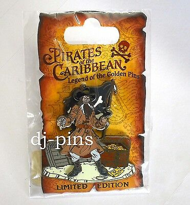 Disney DLR Pirates of the Caribbean Pirate with Hook LE Pin