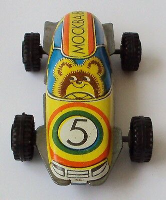 VINTAGE RUSSIAN MISHA BEAR-OLYMPIC GAME MOSCOW 1980 PAINTED CAR 5 TIN TOY # 680