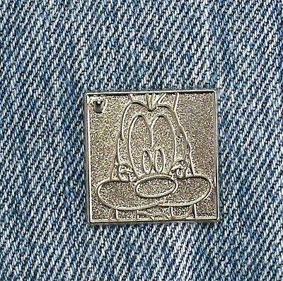 Disney DLR 2012 Hidden Mickey Character Faces Goofy Chaser Pin