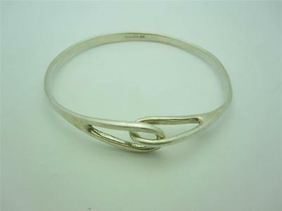 Vintage Tiffany & Co. Sterling Silver Hook Infinity Bracelet