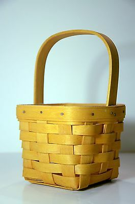 HANDWOVEN Longaberger Square basket with handle 1999 + protector