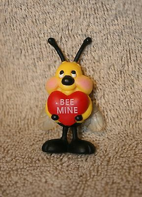 """Valentine Pin Brooch Plastic """"BEE MINE"""" Winged Bumble Bee with Heart 2"""""""