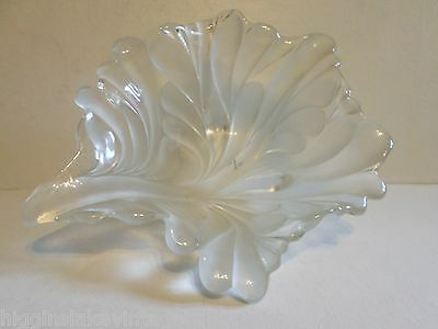 MIKASA WALTHER CRYSTAL FROSTED GLASS LEAF SHAPED Heavy Serving BOWL DISH