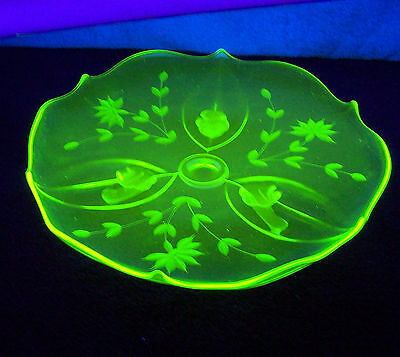 """Vintage 10 1/4"""" Footed Green Vaseline Glass Serving Plate with Cut Floral"""
