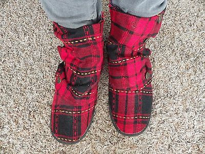 ALDO Red & Black Plaid Fabric Zip Ankle Boots Women Size 39/ 8 1/2