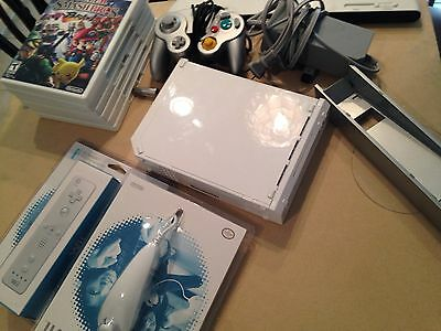 Nintendo Wii White Console (NTSC) And 6 Games