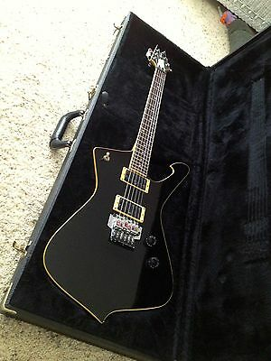 Ibanez IC350 Iceman with locking tremelo and hard case