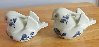 8476 Vintage Pair Ofhand Painted Fitz And Flloyd Birds