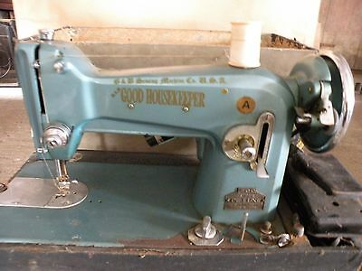 Sewing Machine Good Housekeeper 700 Super Deluxe with Case