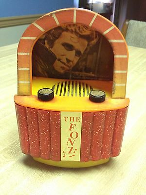 "HAPPY DAYS ""FONZIE"" The Fonz AM Transistor Radio JUKEBOX HENRY WINKLER FONZE"