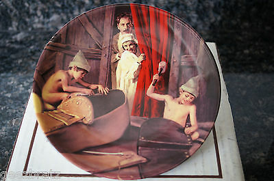 """Bradford Exchange Plate """"THE SHOEMAKER AND THE LITTLE ELVES"""" NEW"""