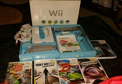 Nintendo Wii White Console Complete In Box  Wii Sports Bundle with games extras