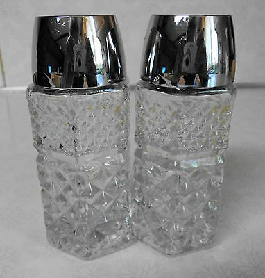 VINTAGE ANCHOR HOCKING SALT AND PEPPER SHAKERS WEXFORD