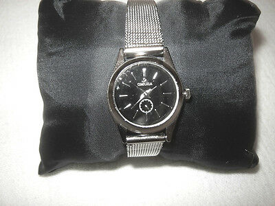Omujia Ladies Stainless Steel Wristwatch - Brand New - Works Perfectly