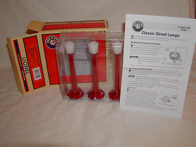 Lionel 6-37151 Lionel Classic Street Lamps Christmas O 027 New MIB set of 3 Red
