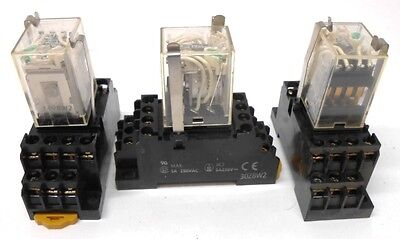 Omron, Relay, Type My4N, 24 Vdc, Socket 30Z8W2 5 Amps, 250 Vac Max, Lot Of 3
