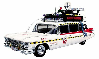Round 2 Ghostbusters Ecto-1 1:25 Scale Model Kit , New, Free Shipping