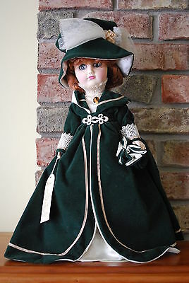 Vintage Effanbee The Age of Elegance Collection Victoria Station Doll Green USA