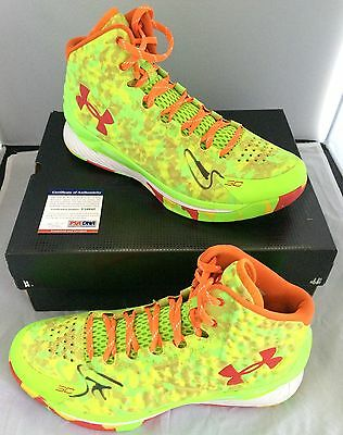 Stephen Curry Signed Basketball Pair Shoes UnderArmour SC PSA/DNA Autographed